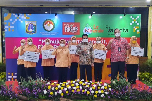 DWP Provinsi DKI Jakarta menyerahkan Bantuan Tenda Satgas Covid-19