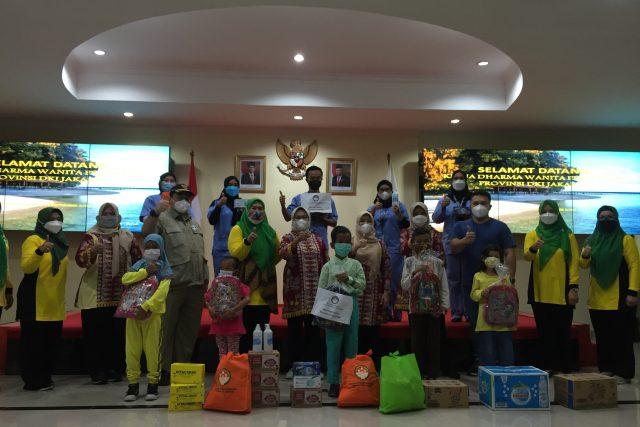 Bantuan Kepada Nakes dan Relawan Covid-19 di Kepulauan Seribu